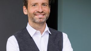 Dr. Oliver Haas